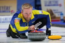 Curlingherrarna i lag Edin klara för semifinal