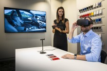 Audi satsar på Virtual Reality i bilhallen