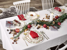 Let's celebrate: Christmas Porcelain from traditionell to modern