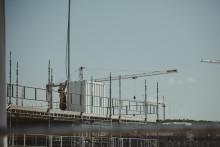 Byggloven indikerar fortsatt nedgång för nybyggnadsinvesteringar