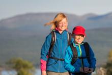 Adventure Academy och Friluftsfrämjandet hjälper föräldrar och barn ut på drömäventyr