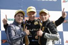 Upplagt för finaldramatik när Formel Renault 1,6 ska avgöras