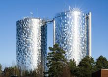 Haninges vattentorn har renoverats till vackra landmärken