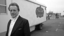 Toni Rhodin bokdebuterar med Rex Mundivalsen