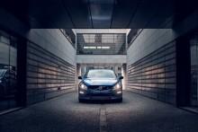 Uppdaterade Volvo S60 och V60 Polestar med aerodynamiska förbättringar i kolfiber som ger 30 procent mer marktryck