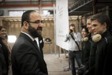 Ministern imponerad av arbetet i Alingsås
