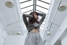 """Brittiska dodie - ett av 2019 års mest intressanta musiknamn just nu trea på midweek UK: här är videon till """"Monster"""""""