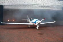 Symbolischer Rollout des ersten Ultraleicht-Forschungsflugzeugs der Technischen Hochschule Wildau auf dem Campus am 22. September 2017