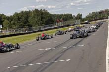 Kvartett i medaljkamp när Formel Renault 1,6 ska avgöras