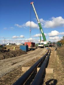Nya pumpstationen lyftes på plats i Häljarp