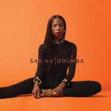"""Sabina Ddumba släpper efterlängtade singeln """"Small World"""""""