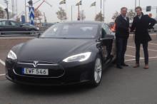 Välkommen att provköra dELbilspoolens Tesla i Kalmar