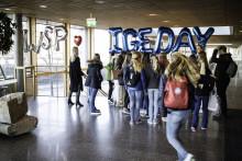 111 tjejer besöker ingenjörer på WSP