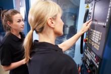 Industrinatten vill visa unga en ny bild av  industrin som arbetsplats