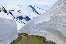Rekordmycket snö smälter i norr