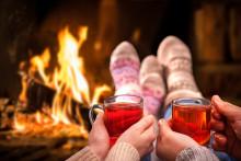 Ferienwohnungen mit Kamin: So wird es beim Winterurlaub sicher gemütlich
