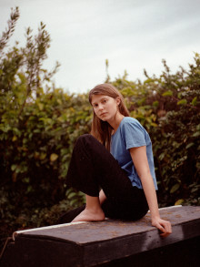 Eili Harboe debuterer med ungdomsroman