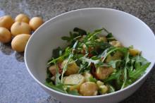 Månadens recept juli - Färskpotatissallad med ruccola