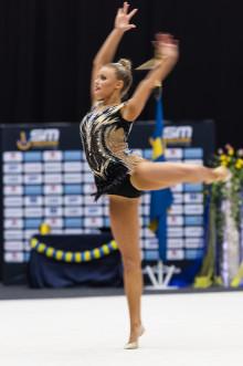 Tre SM-guld till Alva Svennbeck i grenfinalerna i rytmisk gymnastik