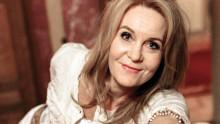 """Maria Lundqvist uppträder med sin föreläsning/föreställning """"Om att våga flyga"""""""