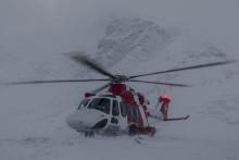 Sjöfartsverkets räddningshelikoptrar tränar i fjällmiljö