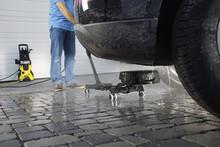 Vårklar bil med Kärcher Chassis Cleaner! Fjern skitt og veisalt under bilen!