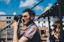 Proffs och amatörer möts i analogt fotomaraton