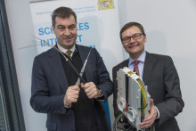 Bayernwerk startet Initiative zum Breitbandausbau in Bayern -  Energieunternehmen bringt eigene Breitbandinfrastruktur in Kooperationen mit Breitbandanbietern ein