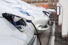 Allt fler laddbara bilar i Östergötlands län