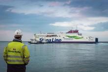 Stena Estrid departs china for Irish sea