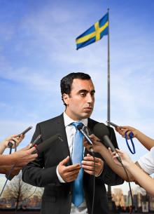 Showaktuella Özz Nûjen utsedd till Årets satiriker
