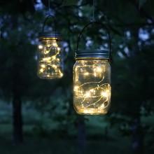 Mysig augustikväll med solcellsladdad glaslykta!