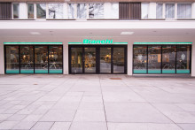 Systemtext skyltar upp nyöppnade Bianchi Café & Cycles