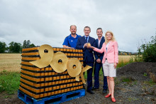 Minister celebrates in rural Perthshire as Digital Scotland Superfast Broadband reaches 900,000 premises