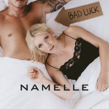Artisten Namelle välkomnar hösten med en ny singel nu på fredag den 20 september.