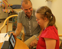 Barn med Downs syndrom och autism ska få bättre stöd