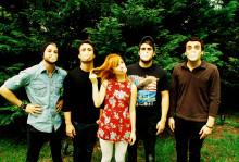 Paramore öppnar ögonen med nya albumet brand new eyes