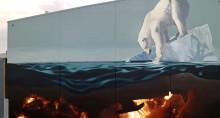 Jyväskylässä aloitettiin uv-maalilla tehostetun muraalin maalaus
