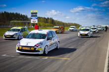 Clio Cup JTCC laddar för Ring Knutstorp