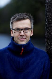 Debutant Odd Eirik Færevåg skriv om å miste eit lite barn