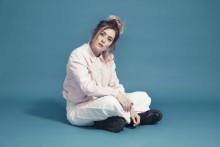 Iselins röst har redan erövrat Europa - nu släpper hon sin debutsingel
