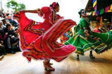 Hedra de döda med färgglad fest på Världskulturmuseet