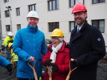 Evy, 94 år, fastighetsdirektören och förskolan tog första spadtaget i Kålltorp