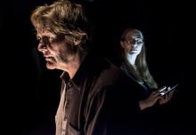 Johan Rabaeus och Anna Pettersson i närkamp om Strindberg