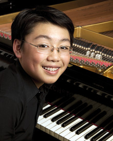 Det nya klassiska soundet med en ung, lysande stjärnpianist!