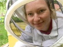 Biodlaren Katja satsar på kakhonung och nyslungat från Småland