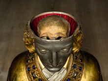 Da Sankt Lucius fik sit hoved undersøgt