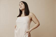 Molly Hammar tillbaka med frigjord och ocensurerad R&B