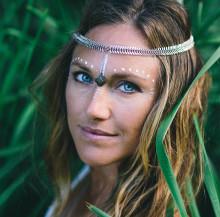 Yogobe tar het yogatrend till Sverige – Feminine Vibes ska få fler att upptäcka sin inre gudinna