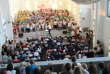 """""""Sing in´ Neuss 2018"""" am 30. Juni 2018  – das große Mitsingkonzert im Zeughaus"""